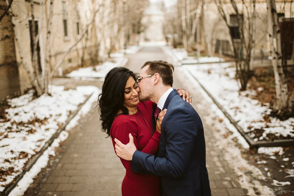 toronto-Wedding-photographer-best-engagement-shoot-uoft_0008.jpg