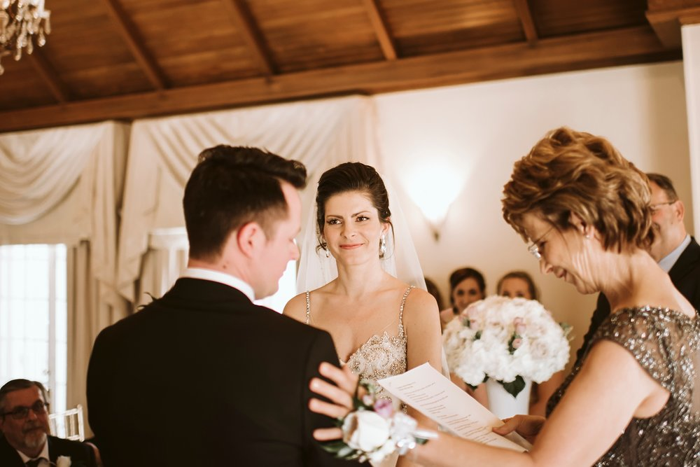 Best_Toronto_Wedding_Photographers_Glenerin_Inn_Mississauga_0034.jpg