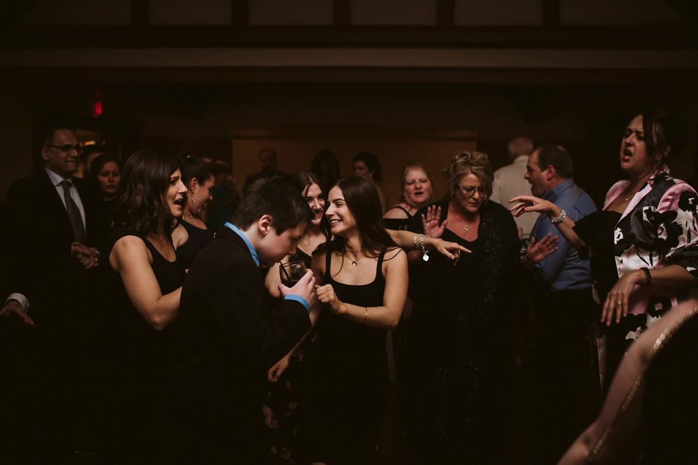Best_Toronto_Wedding_Photographers_Glenerin_Inn_Mississauga_0092.jpg