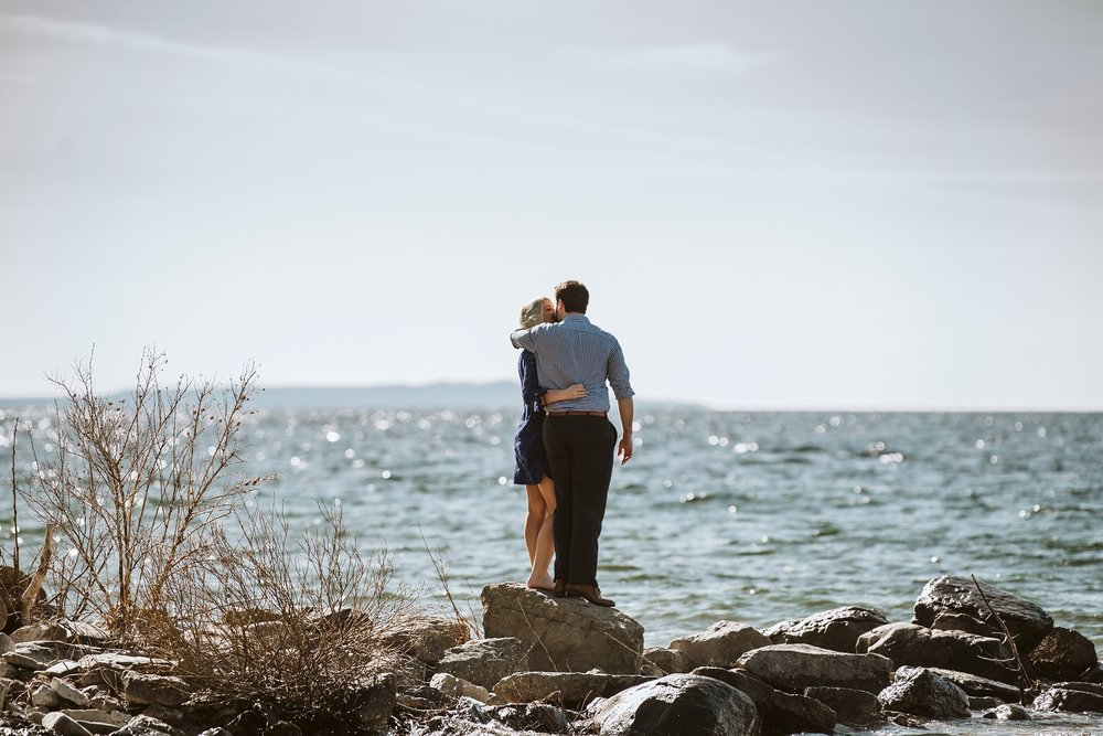 Best_Toronto_Wedding_Photographers_Tiny_Ontario_Georgian_Bay_Engagement_0003.jpg