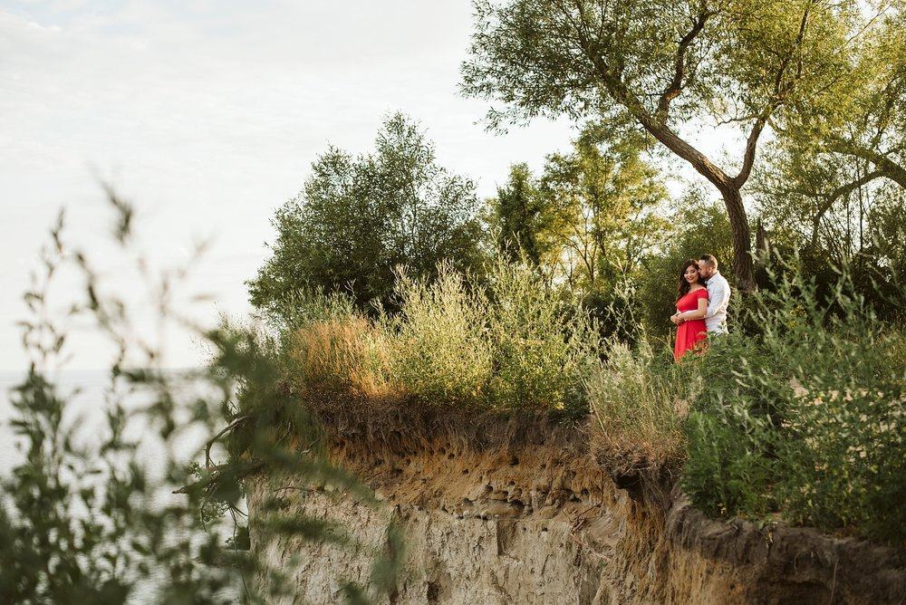 Scarborough_Bluffs_engagement_shoot_Best_Toronto_Wedding_Photographers_0008.jpg