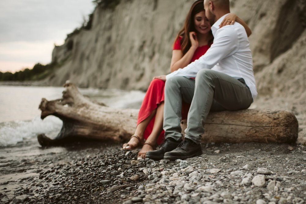 Scarborough_Bluffs_engagement_shoot_Best_Toronto_Wedding_Photographers_0029.jpg