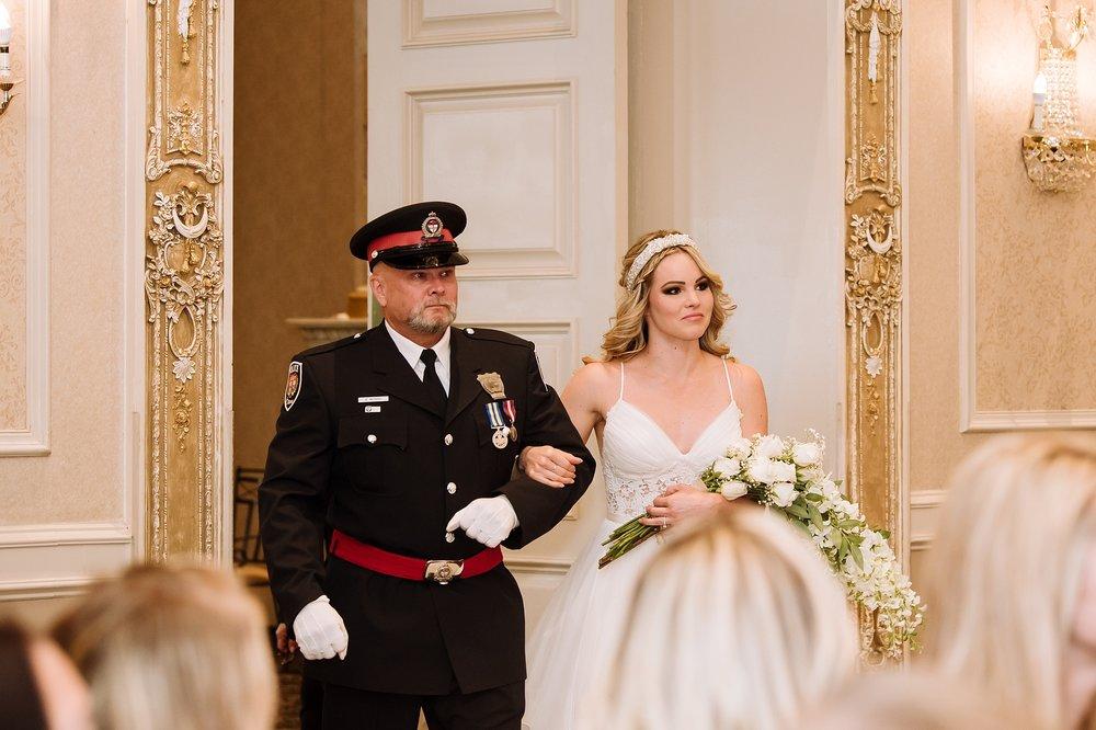 McMichael_Art_Collection_Wedding_chateau_le_jardin_Justine_Munro_Toronto_Photographer050.jpg