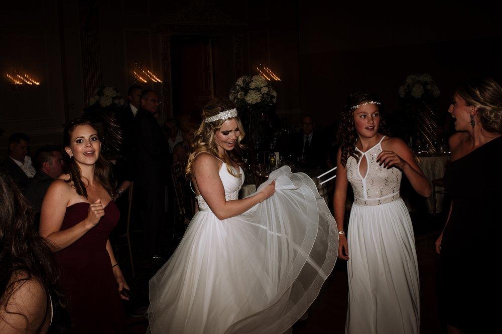 McMichael_Art_Collection_Wedding_chateau_le_jardin_Justine_Munro_Toronto_Photographer108.jpg