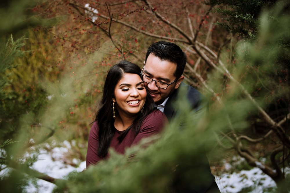 Alexander_Muir_Memorial_Gardens_Engagement_Shoot_Toronto_Wedding_Photographer_0010.jpg