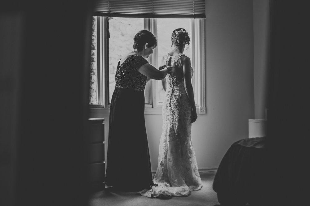 Toronto_Wedding_Photographer_Edwards_Gardens_0006.jpg