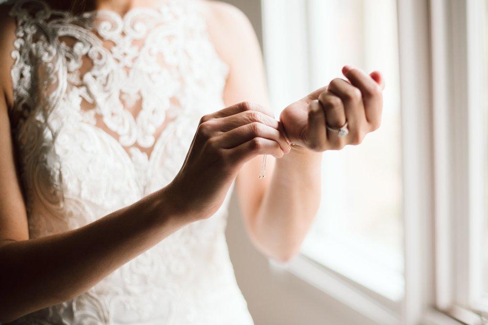 Toronto_Wedding_Photographer_Edwards_Gardens_0008.jpg