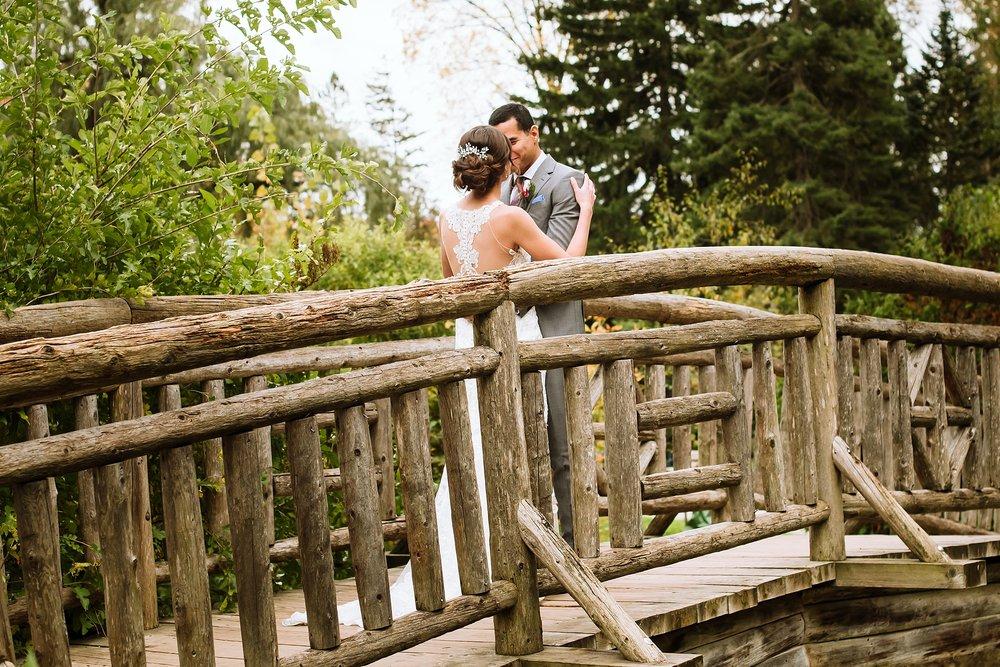 Toronto_Wedding_Photographer_Edwards_Gardens_0025.jpg