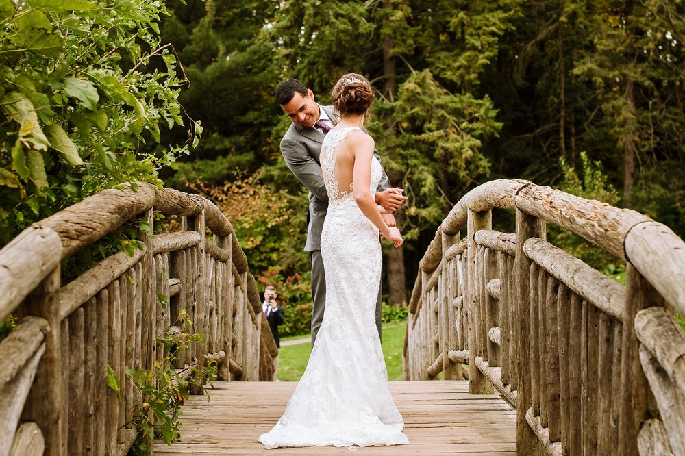 Toronto_Wedding_Photographer_Edwards_Gardens_0028.jpg
