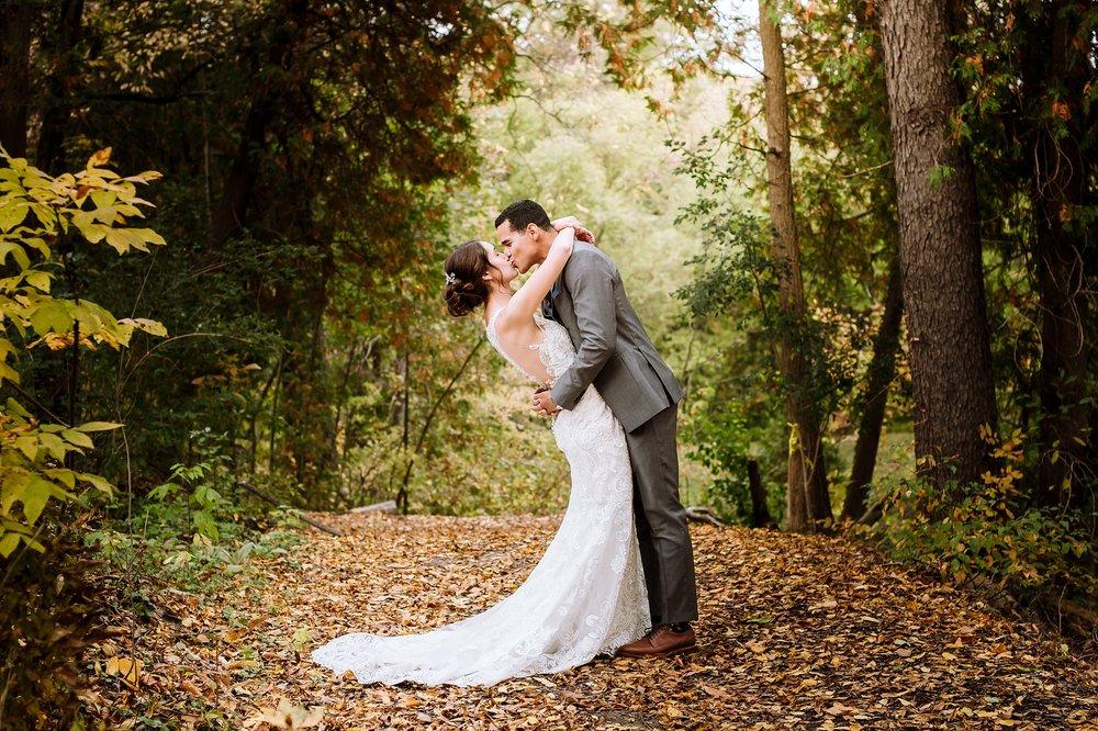 Toronto_Wedding_Photographer_Edwards_Gardens_0033.jpg