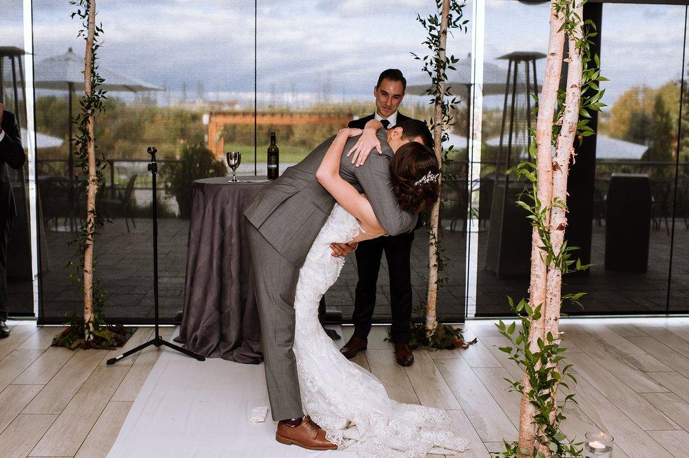 Toronto_Wedding_Photographer_Edwards_Gardens_0077.jpg
