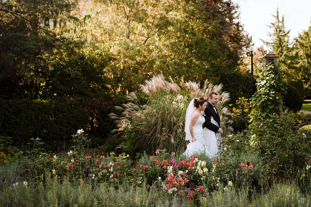 Sunnybrook_Estates_Alexander_Muir_Toronto_Wedding_Photographer_0005.jpg