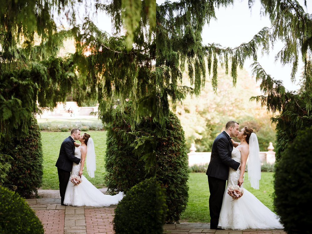 Sunnybrook_Estates_Alexander_Muir_Toronto_Wedding_Photographer_0016.jpg