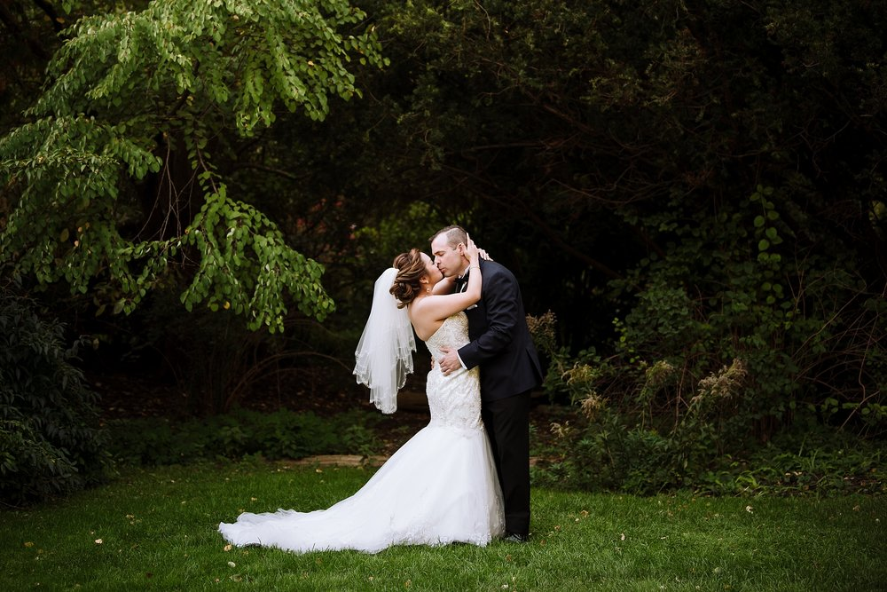 Sunnybrook_Estates_Alexander_Muir_Toronto_Wedding_Photographer_0020.jpg