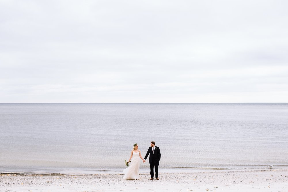 Oakville_Harbour_waterfront_conference_Centre_Toronto_Winter_Wedding_Photographer_0027.jpg