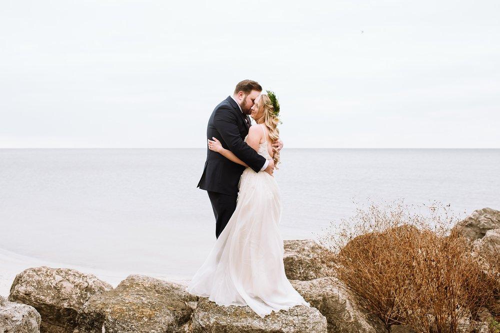 Oakville_Harbour_waterfront_conference_Centre_Toronto_Winter_Wedding_Photographer_0030.jpg