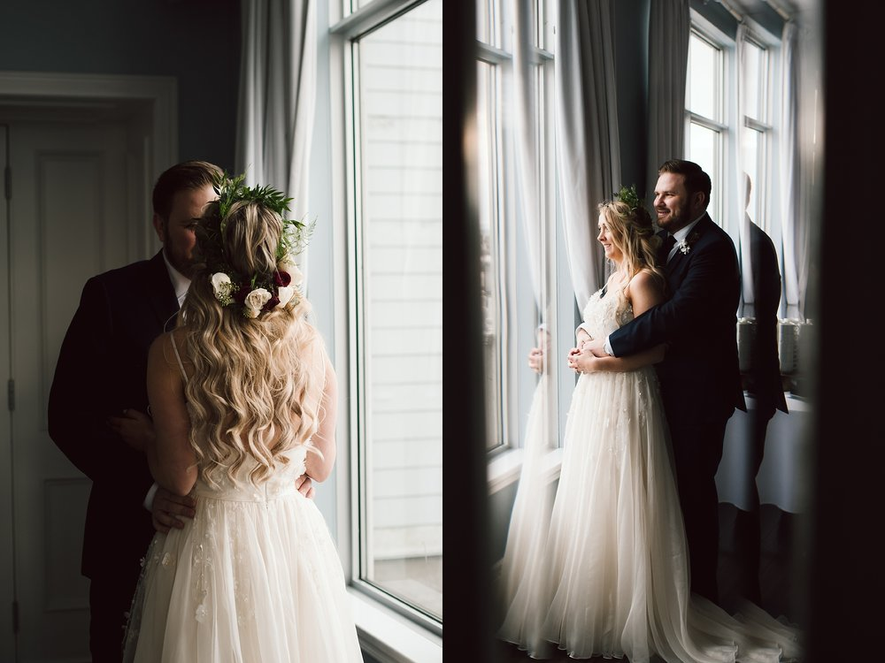 Oakville_Harbour_waterfront_conference_Centre_Toronto_Winter_Wedding_Photographer_0033.jpg