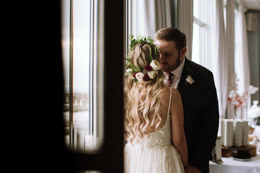 Oakville_Harbour_waterfront_conference_Centre_Toronto_Winter_Wedding_Photographer_0034.jpg