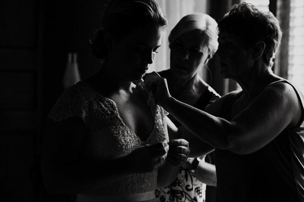 Toronto_Wedding_Photographer_Colombia_Destination_Wedding_0009.jpg