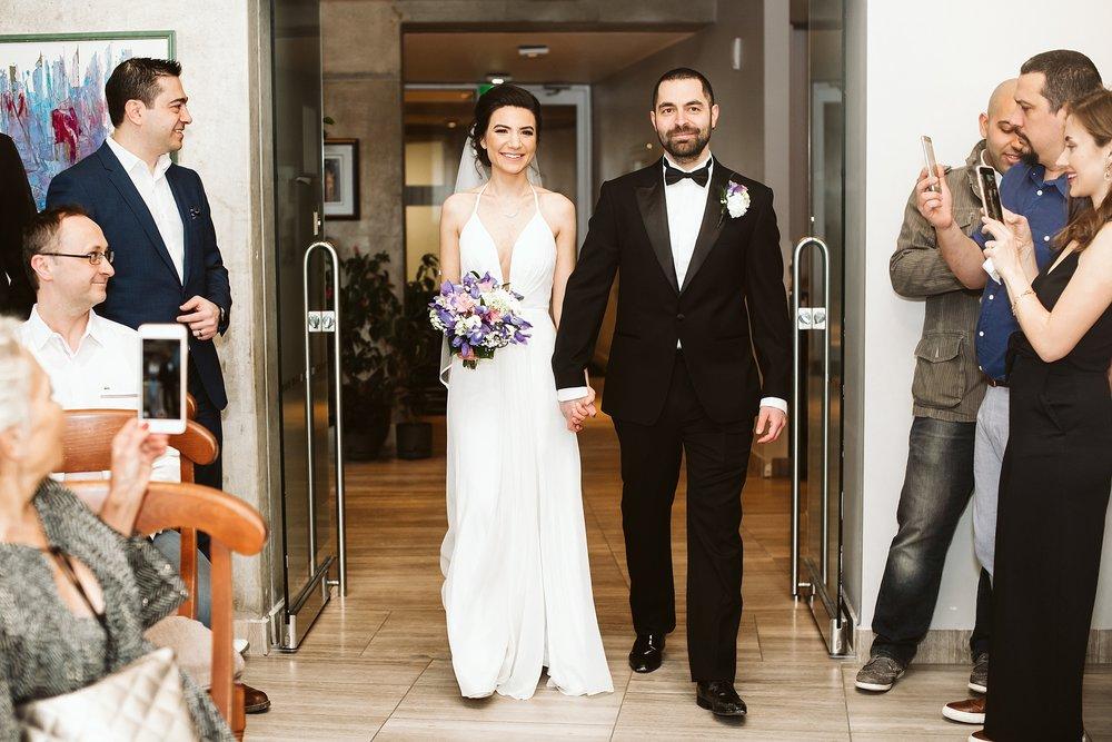 Toronto_City_Hall_Elopement_Wedding_Photographer018.jpg