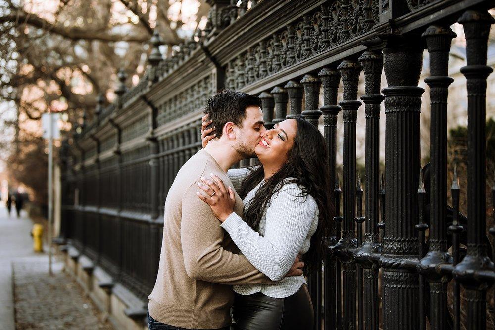 Toronto_Wedding_Engagement_Photographers_Osgoode_Hall_0015.jpg
