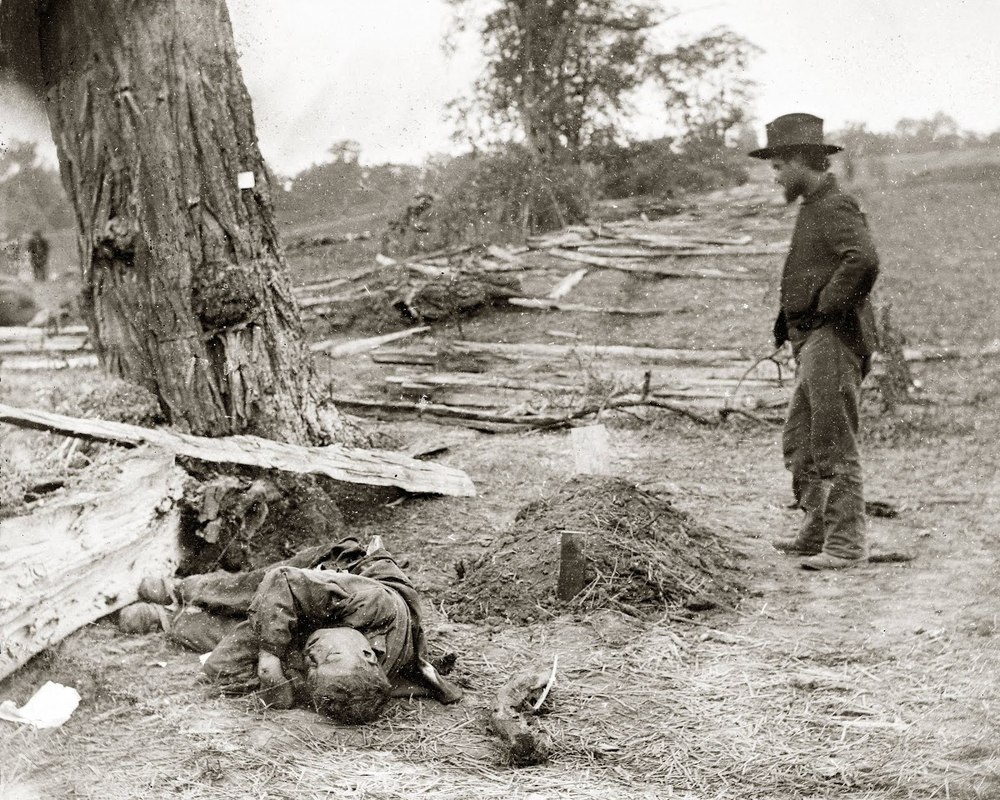 Alexander Gardner, Federal Buried, Confederate Unburied, photograph at Antietam battlefield, September 1863.