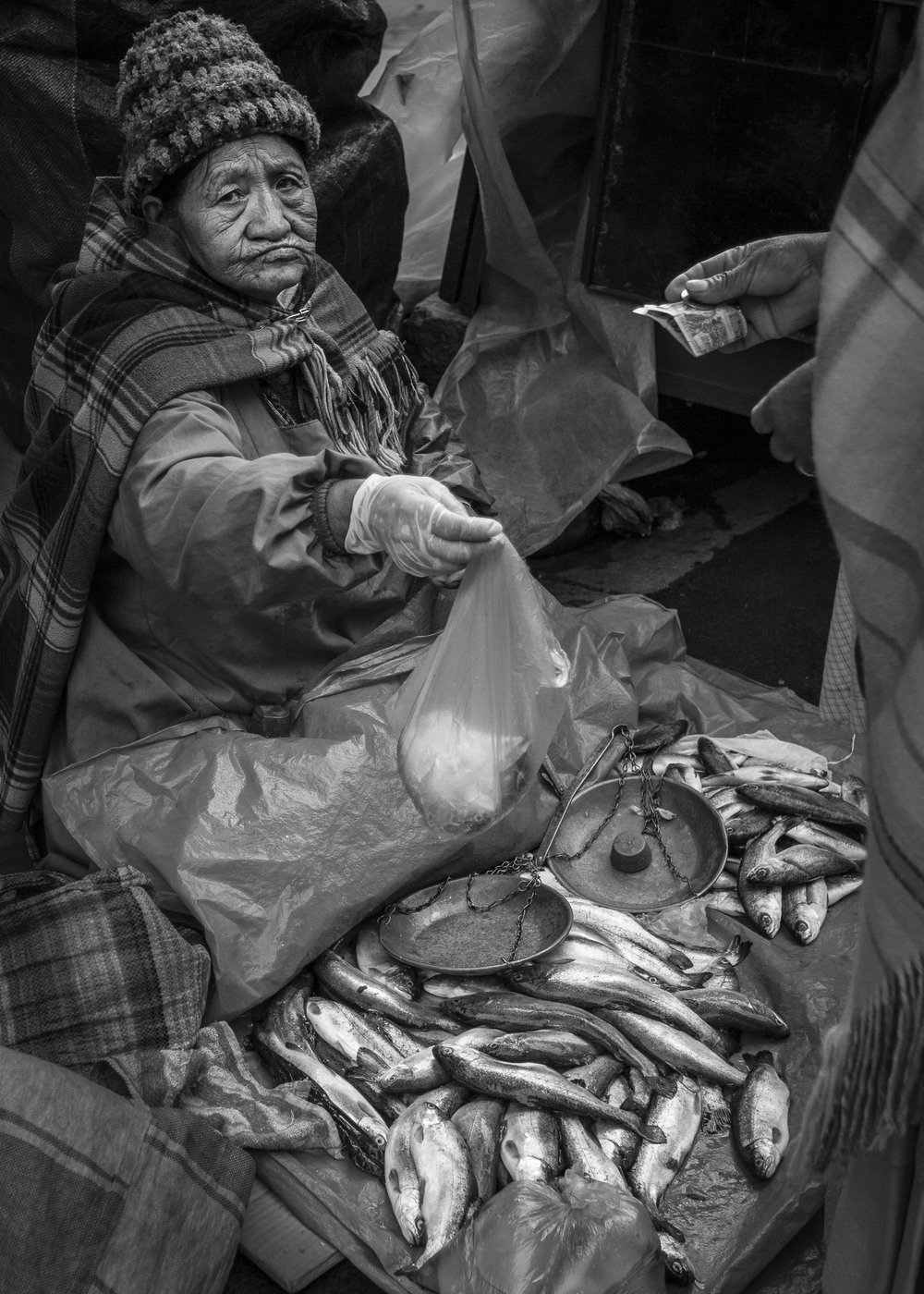 bol woman selling fish bw 5x7.jpg