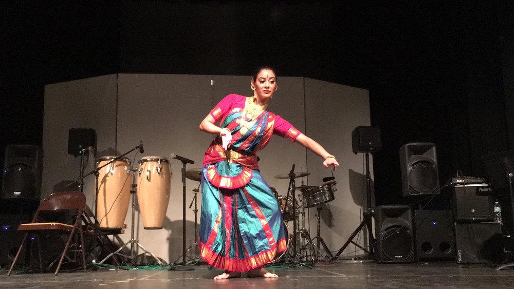 Gloria Bharatanatyam Calexico.jpg