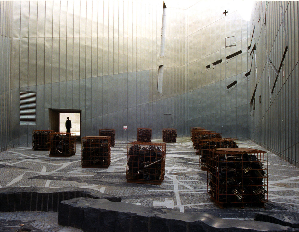Jewish Museum Berlin, 1999, photo by Hector Barrientos