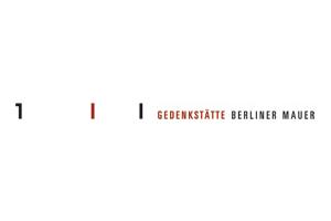 3_Logo-rot_schwarz_schmal_Gedenkstaette_cmyk.jpeg