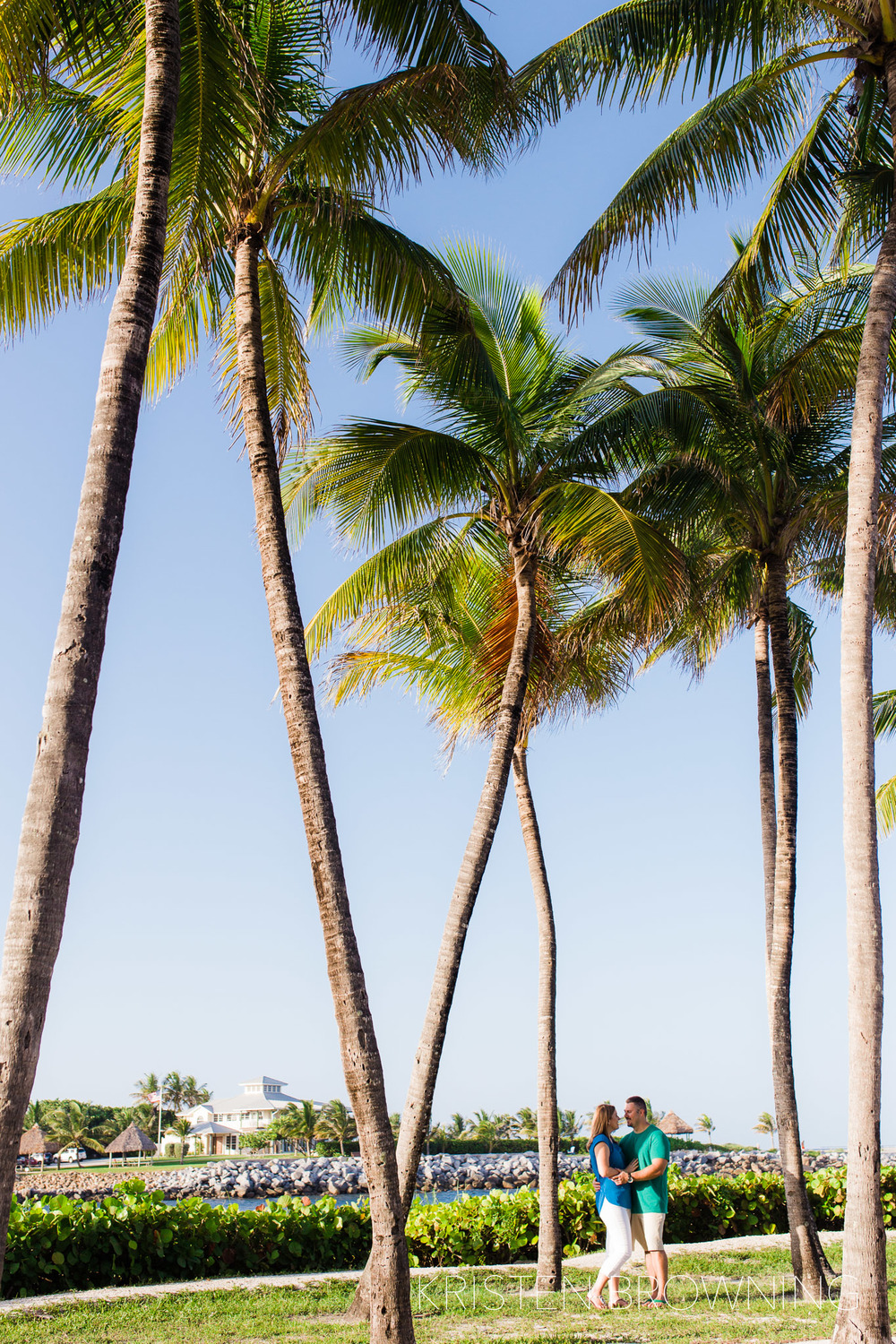 dubois-park-engagement-photos-coconut-palms-jupiter-inlet