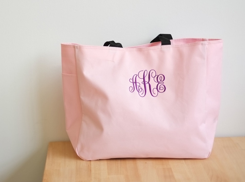 gift-ideas-for-bridesmaids-tote