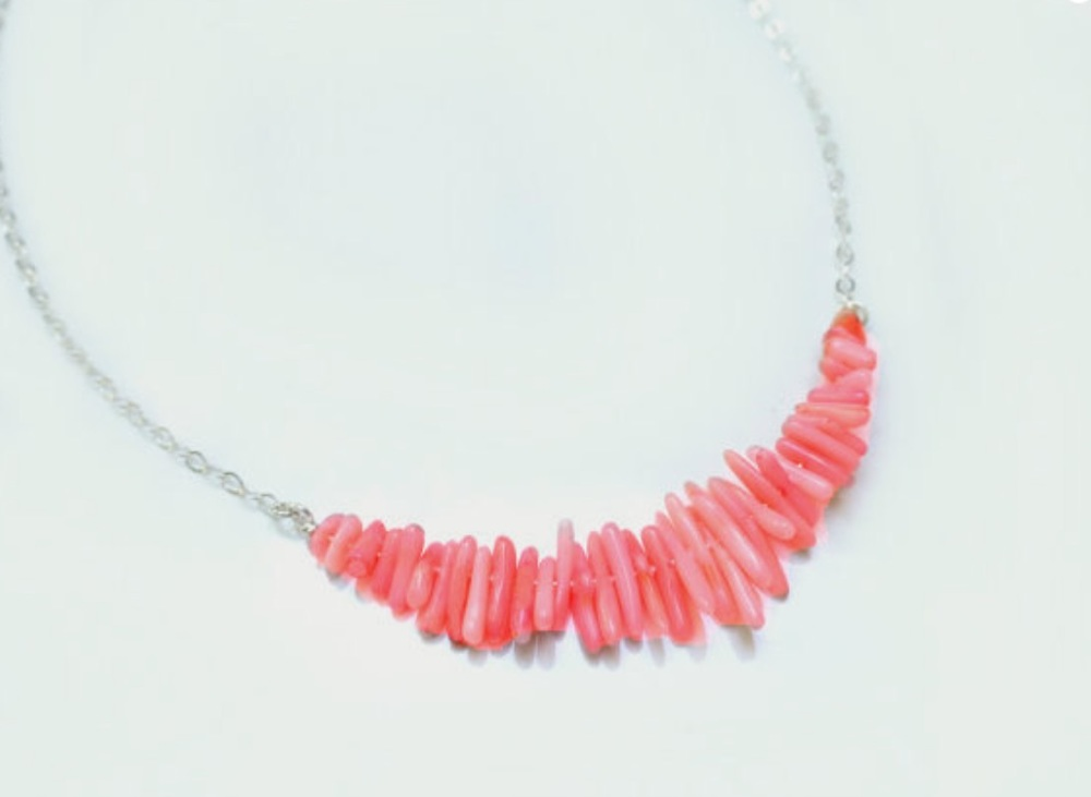 gift-ideas-for-bridesmaids-coral-necklace