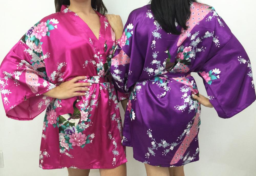 gift-ideas-for-bridesmaids-silk-robe