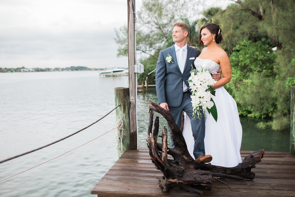 jupiter-old-fish-house-bride-and-groom-wedding-pictures