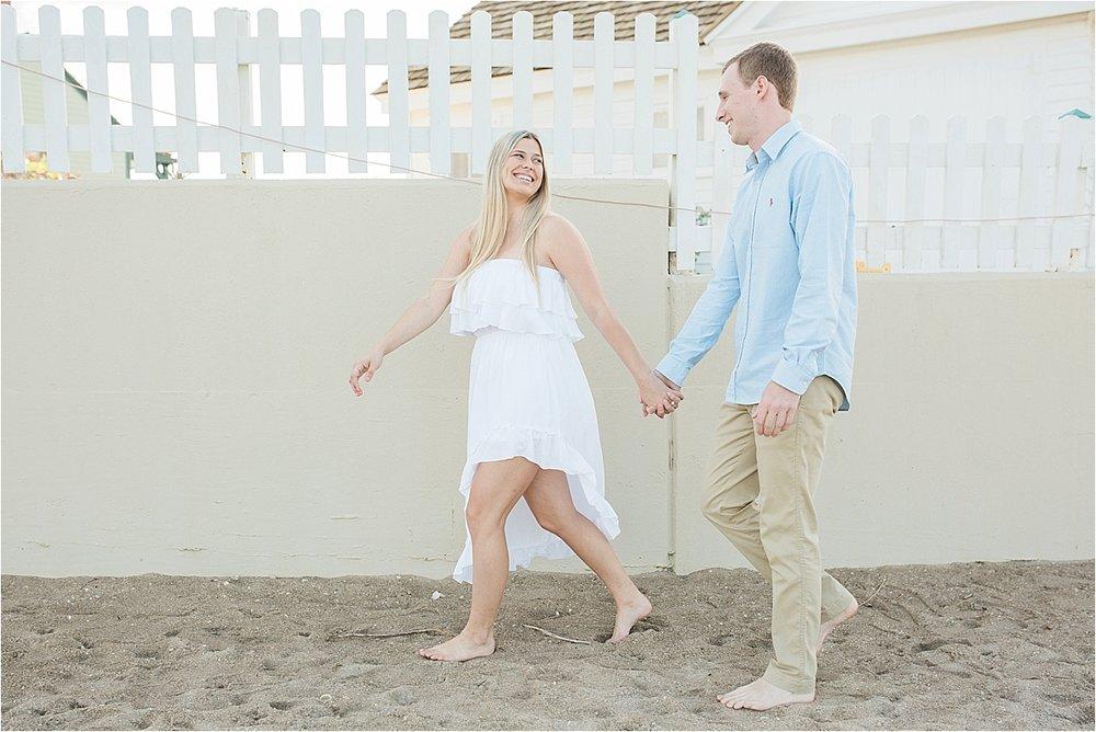 house-of-refuge-couple-walking0001.jpg
