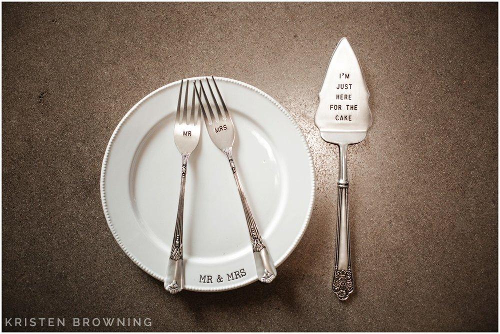 custom-cake-cutter-forks-wedding