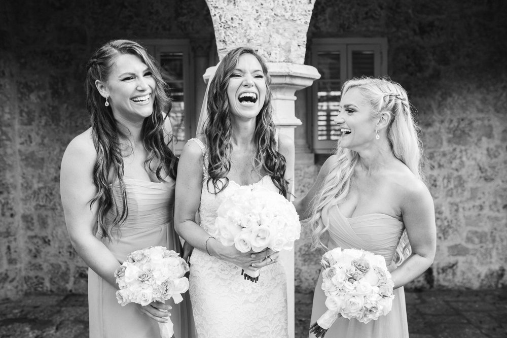 bridesmaids laughing at plymouth congregational church
