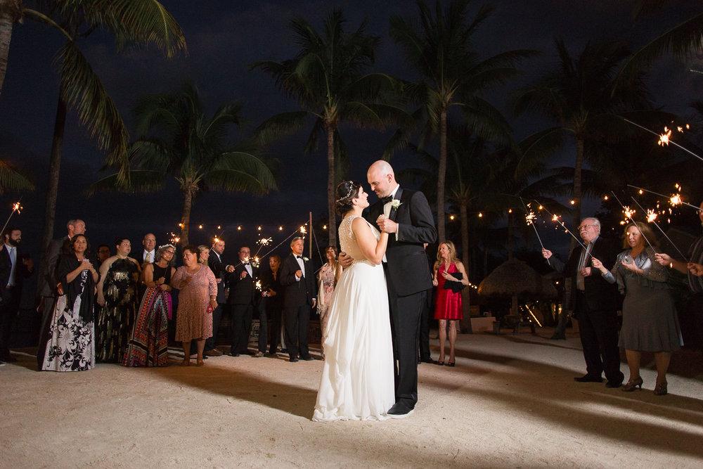 coconut-palm-inn-wedding-venue-reception