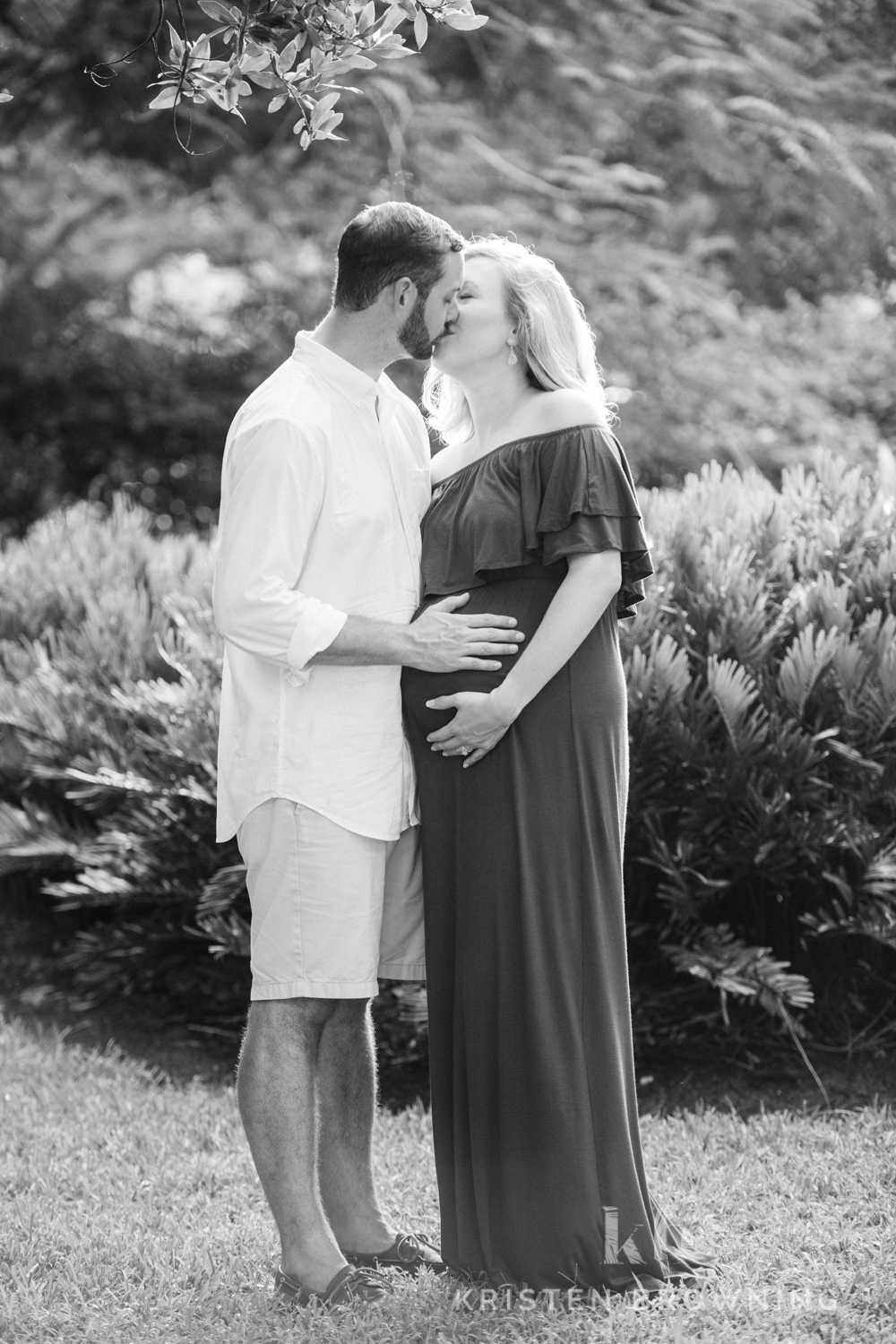 Maternity photos Seawall's Point Park in Stuart Fl
