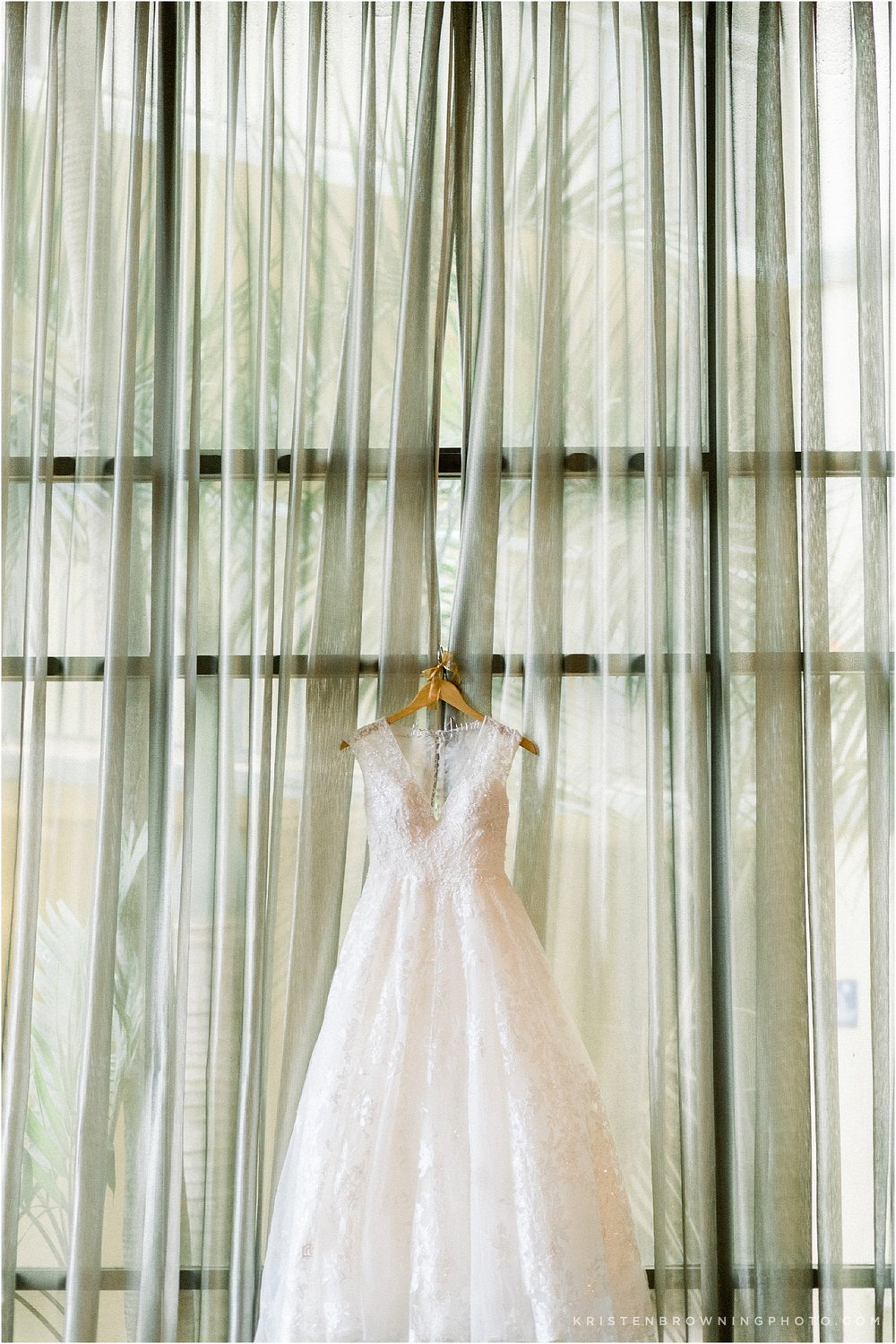 wedding dress hilton double tree