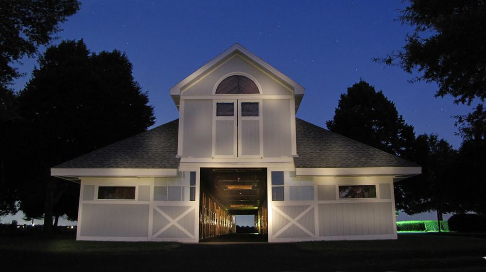 Stonestreet Barn at night.jpg