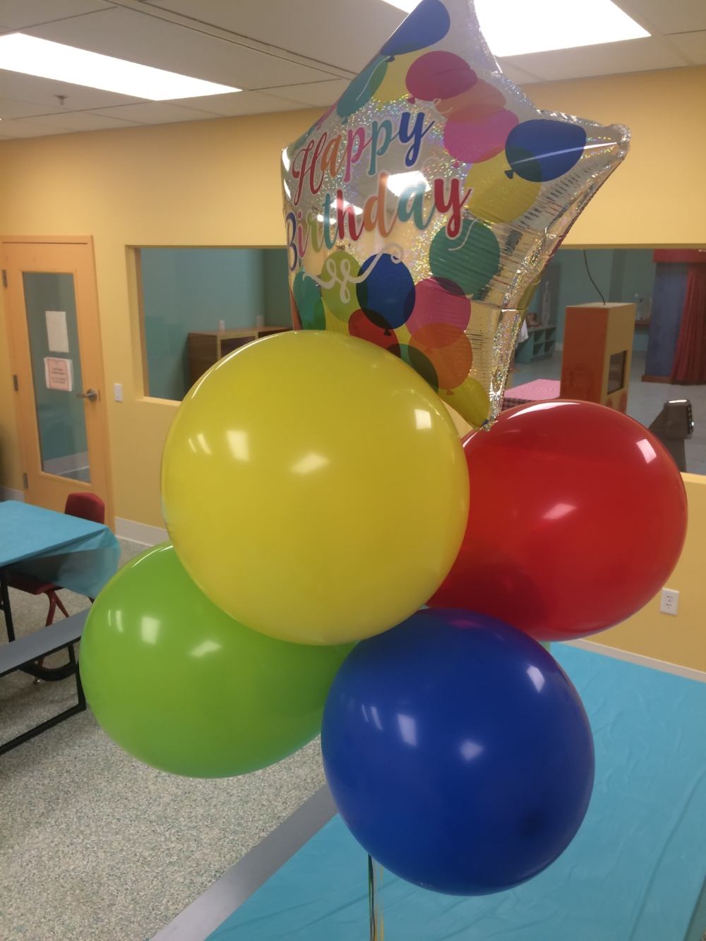 party room balloons.jpeg