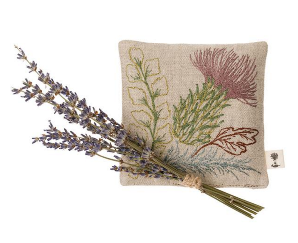 Wedding Favors: custom embroidered sachets | follow us on Instagram @ thewildflowers.events