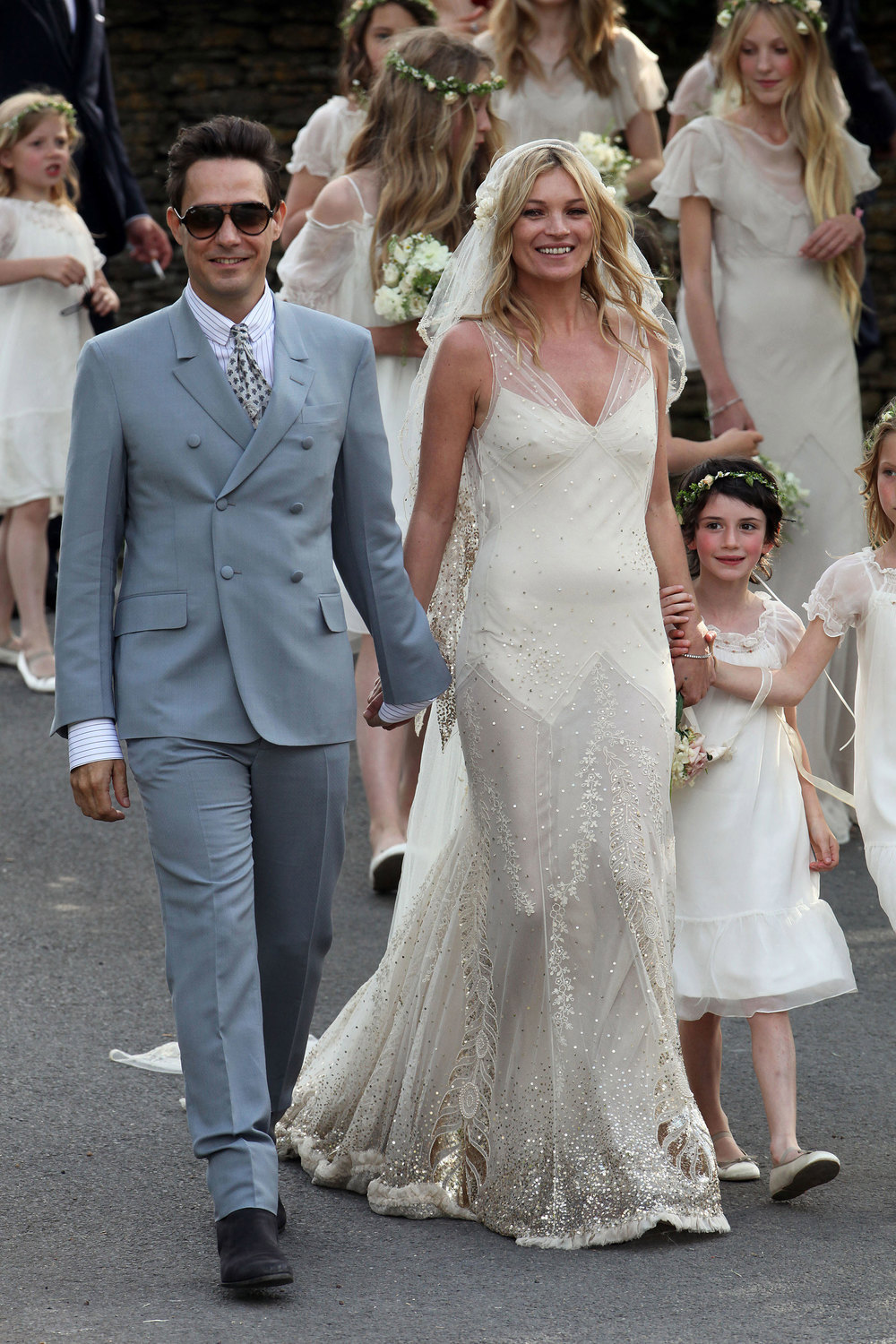wildflower Kate Moss wed Jamie Hince in England in 2011 | follow along on Instagram @ thewildflowers.events