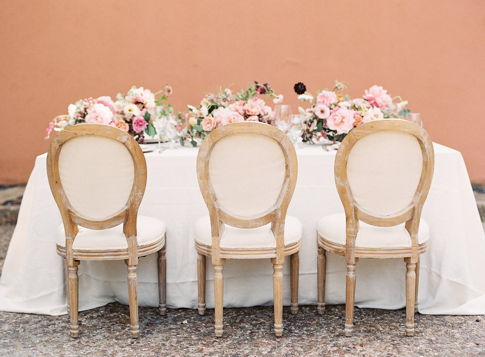 table setting | terracotta pink wedding inspiration designed by The Wildflowers | follow us on instagram: @ thewildflowers.events