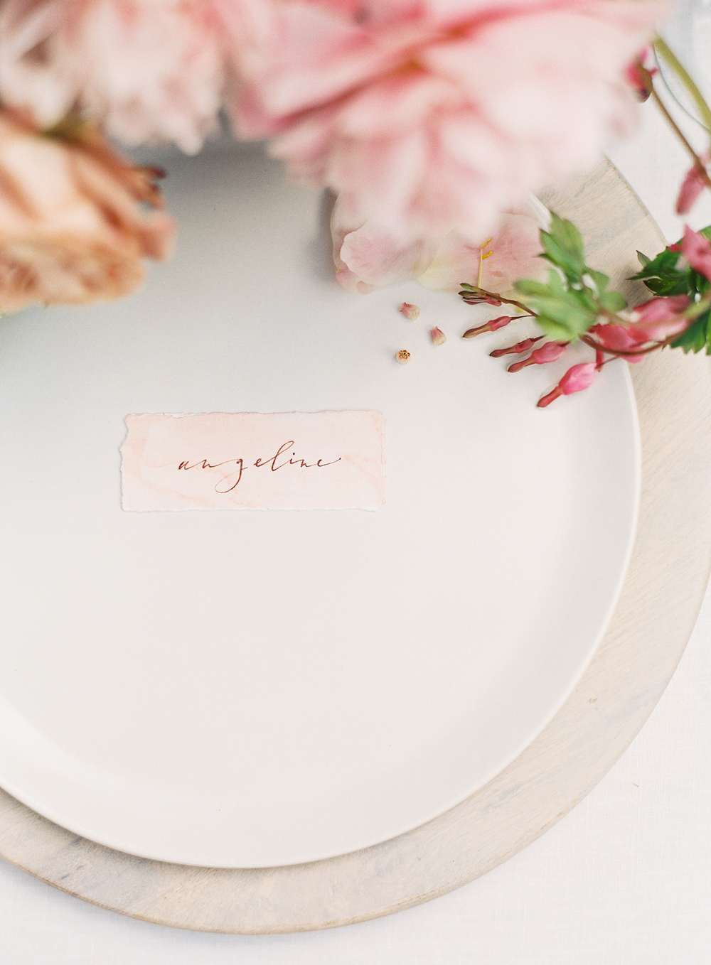 simple place card table setting | terracotta pink wedding inspiration designed by The Wildflowers | follow us on instagram: @ thewildflowers.events