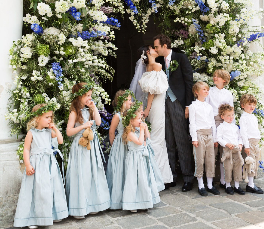 Caroline Sieber's floral-filled Vienna wedding in 2013 | follow us on Instagram @ thewildflowers.events