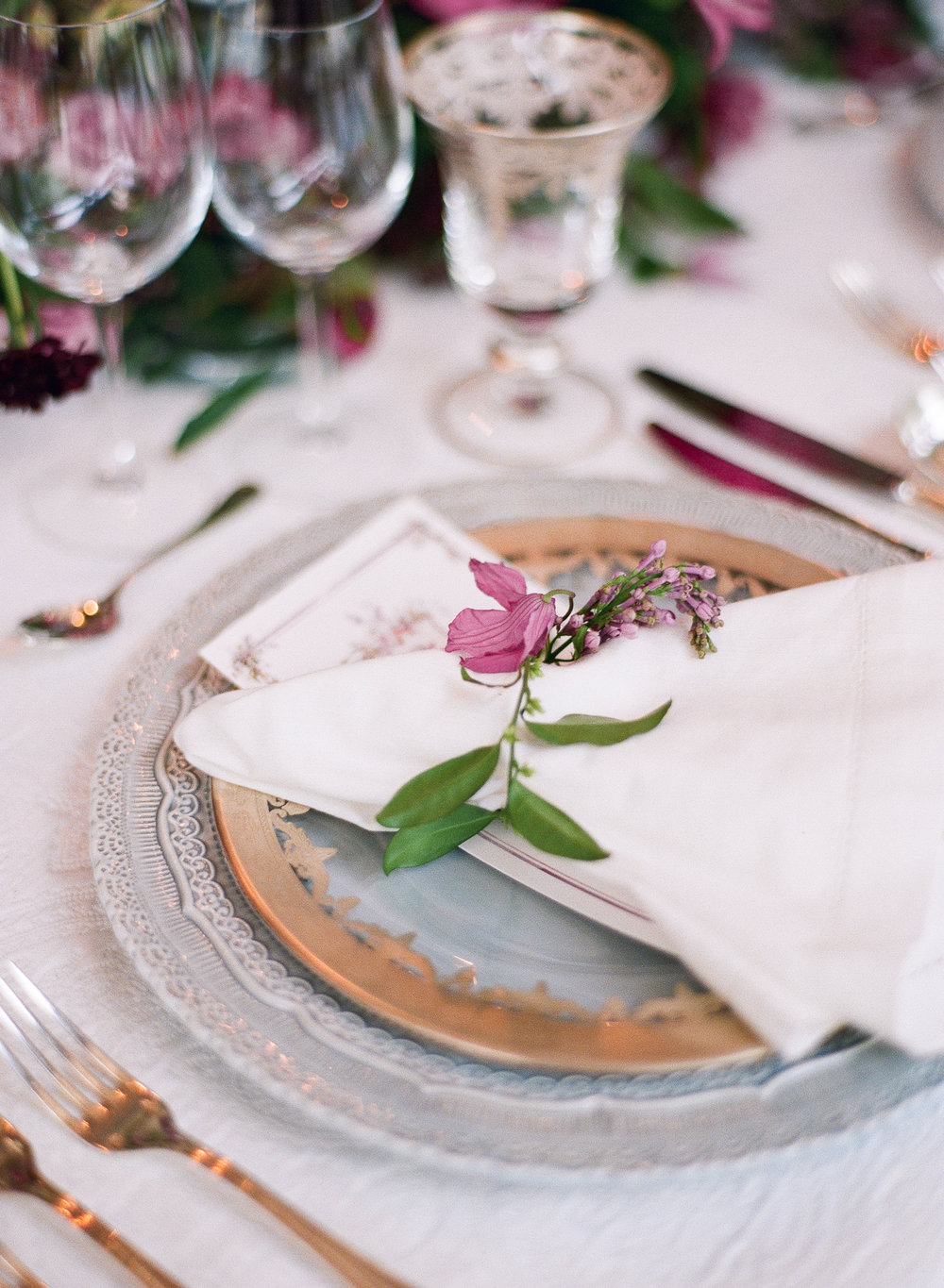 table setting design by The Wildflowers | featured on Style Me Pretty | follow along on instagram: @ thewildflowers_com
