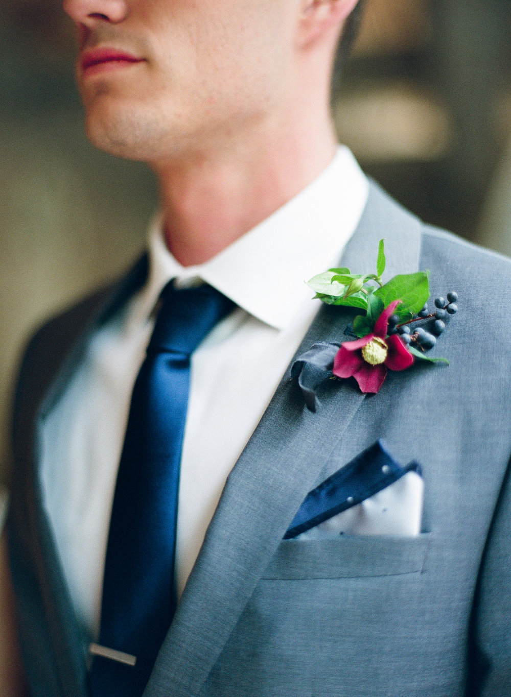 boutonniere | The Wildflowers is an event planning and design company inspiring stylish brides and grooms to dream a better dream for their wedding day. Follow along on instagram: @ thewildflowers_com